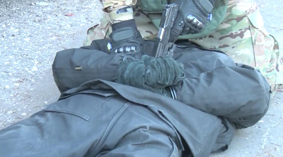 Операцию по освобождению автостанции в Щербинках провели бойцы ФСБ - фото 5