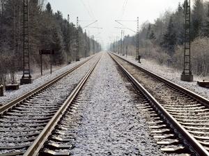 Женщина погибла под колесами поезда в Семеновском районе