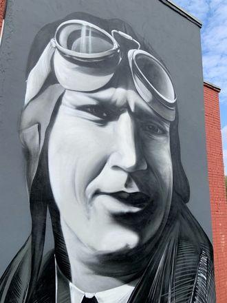 Шестиметровое граффити с легендарным нижегородским летчиком появилось в Череповце - фото 2
