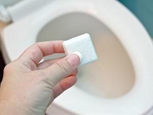 Несколько способов, которые помогут почистить туалет за считанные минуты