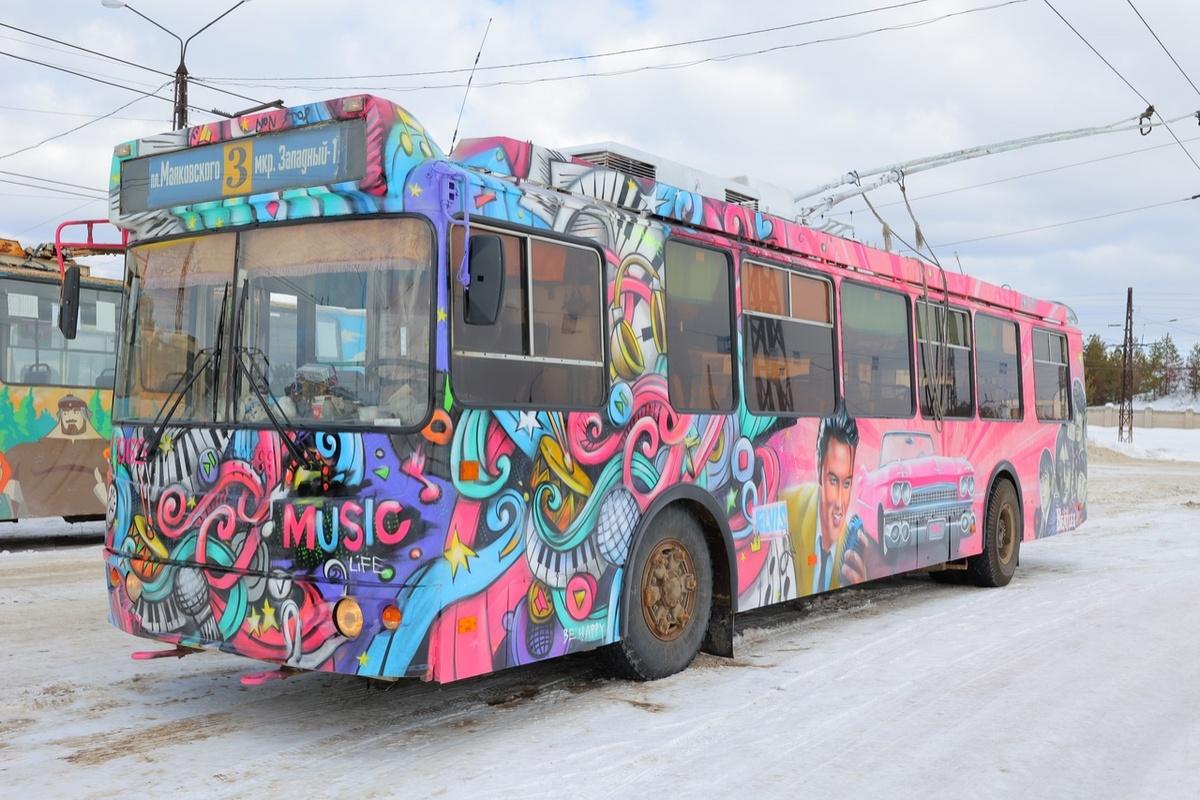 Троллейбус с «Битлз» и Пресли на борту появился в Дзержинске - фото 3