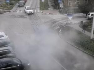 Улицу Славянскую залило кипятком