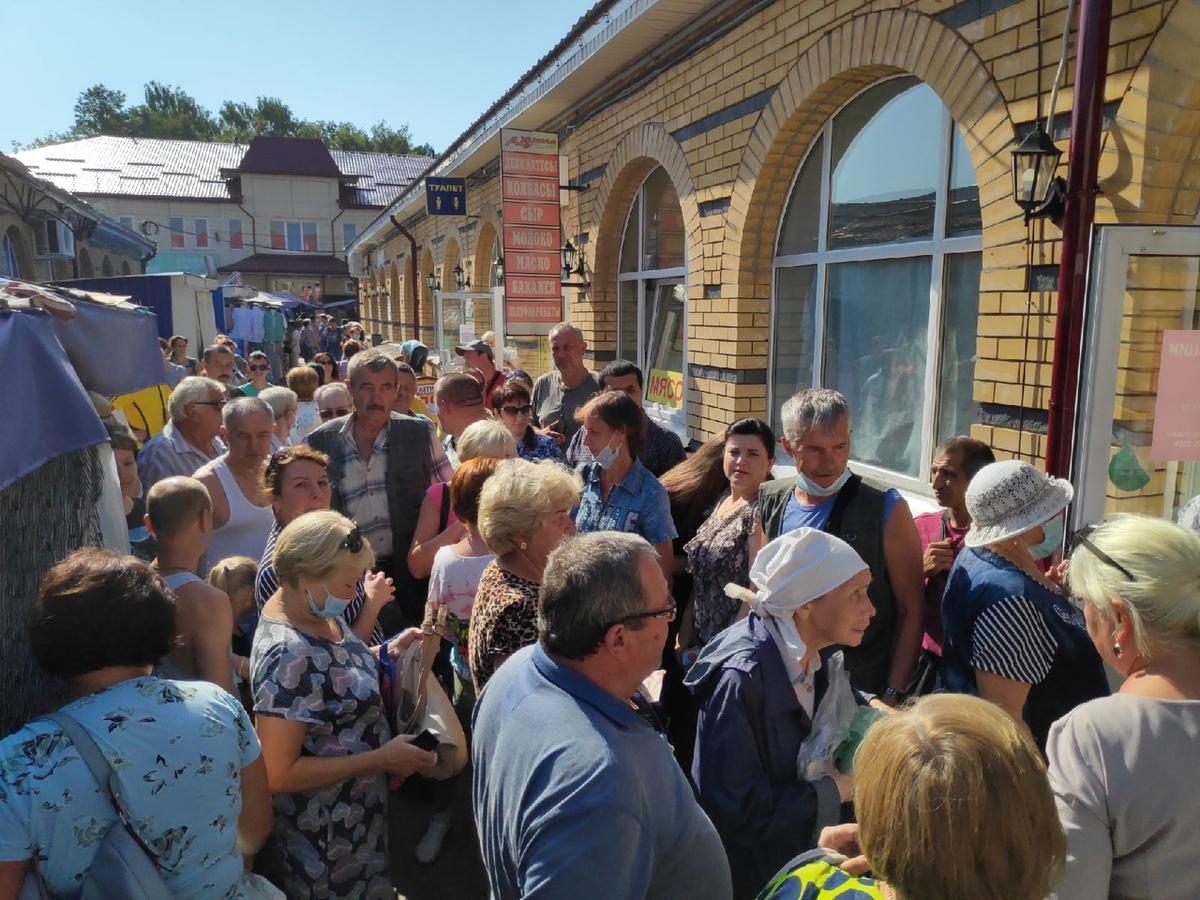 Балахнинцы жалуются на очереди на вакцинацию от COVID-19 - фото 1