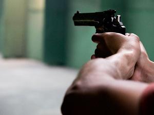 Нижегородец случайно выстрелил в жену из самодельного пистолета