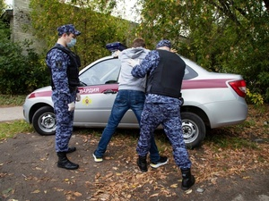 Мужчина пытался выкрасть металлолом из гаража в Дзержинске, но был пойман