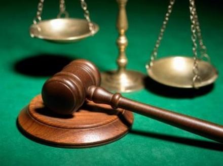 Зарезавшую сожителя женщину осудили в Выксе