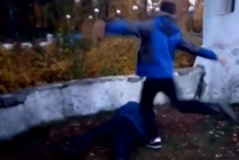 Компания подростков жестоко избила 13-летнего мальчика в Кулебаках - фото 1