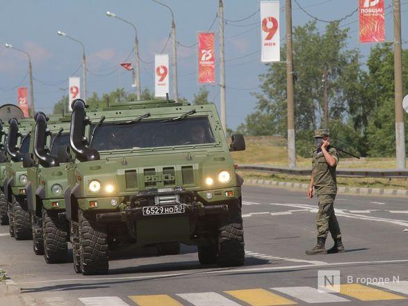 Танкисты в масках: первая репетиция парада Победы прошла в Нижнем Новгороде - фото 48