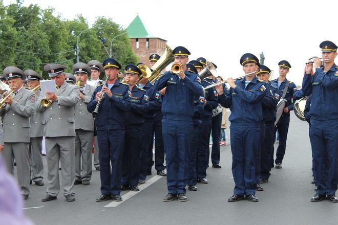 Фестивали духовых оркестров и Дружбы народов прошли в Нижнем Новгороде в День России - фото 10