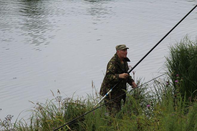 Три вида ухи и лодка в подарок: в Нижнем Новгороде стартовал фестиваль рыбалки - фото 33
