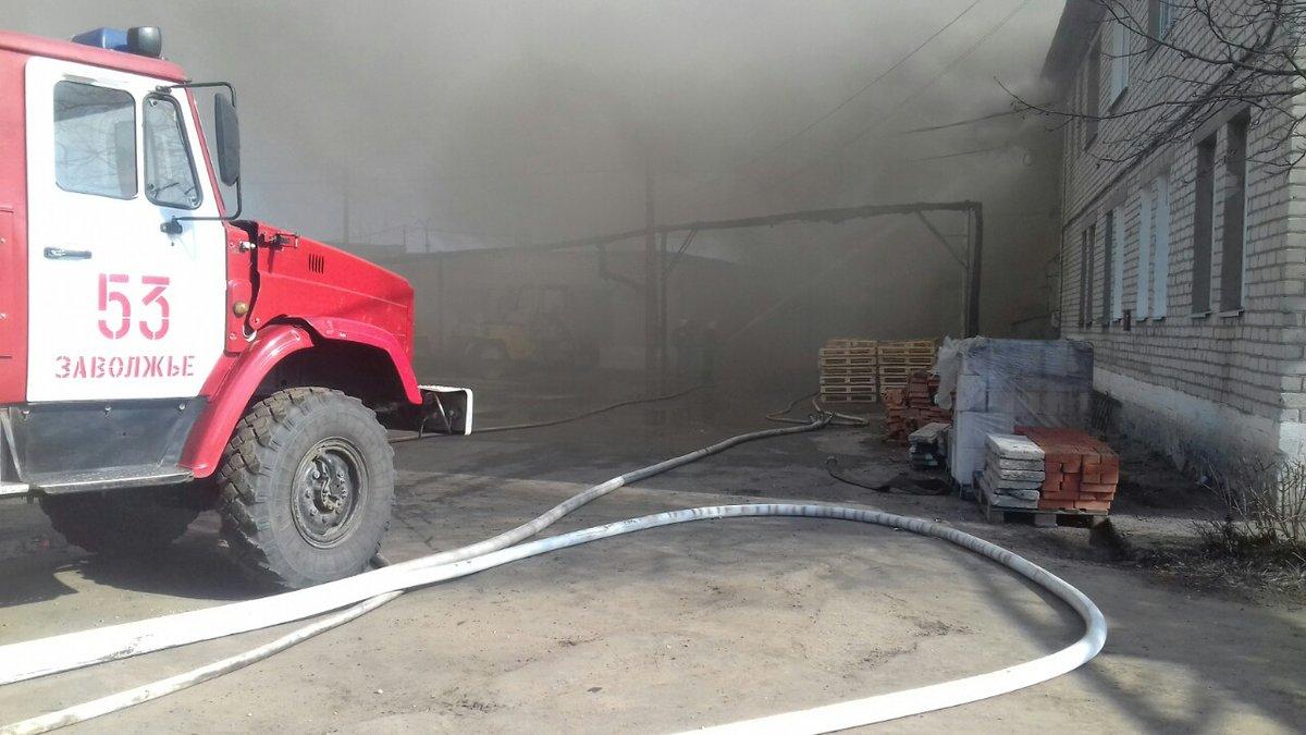20 человек эвакуировали из-за пожара в балахнинском магазине - фото 1