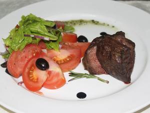 Готовим блюда европейского меню: нежная телятина с томатами