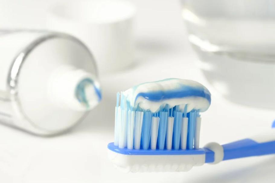 Неочевидные правила ухода за зубами, которые важно соблюдать - фото 1