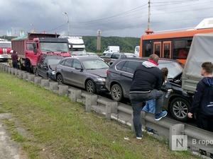 Стала известна причина столкновения восьми автомобилей на Мызинском мосту