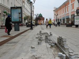 Гарантийный ремонт Большой Покровской продлится до конца мая (ФОТО)