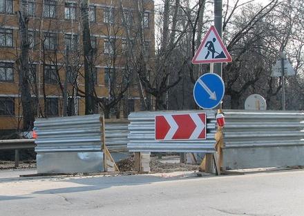 Часть улицы Бекетова перекрыли до 30 августа