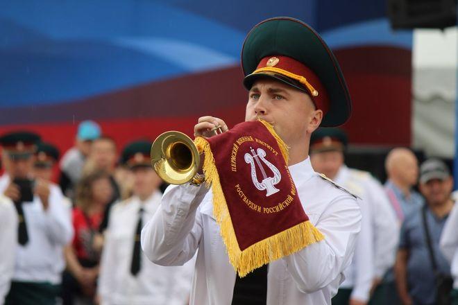 Фестивали духовых оркестров и Дружбы народов прошли в Нижнем Новгороде в День России - фото 5