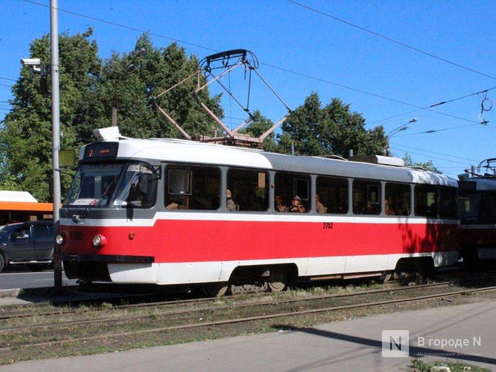 Мужчина и женщина попали под колеса трамвая в Канавинском районе - фото 1